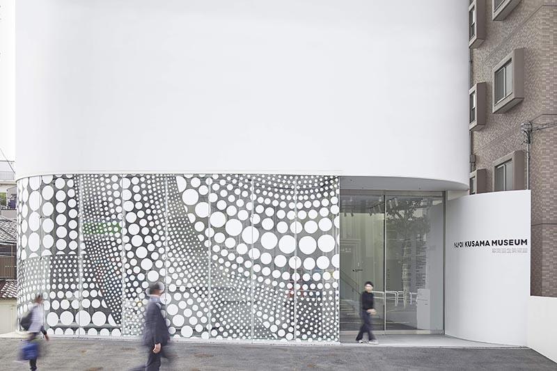 草間彌生美術館1樓外觀