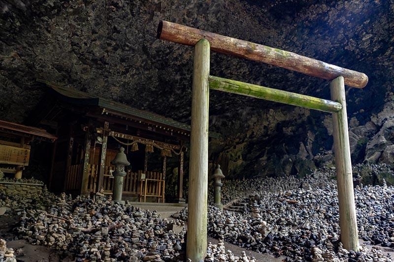天安河原的天岩戶神社