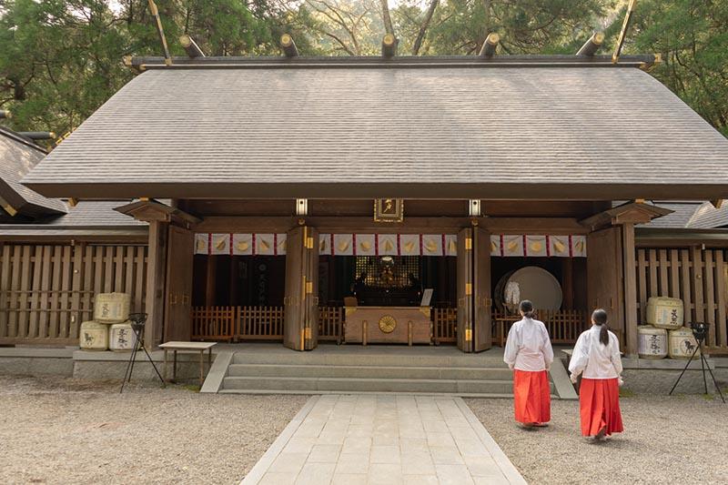 天岩戶神社本宮