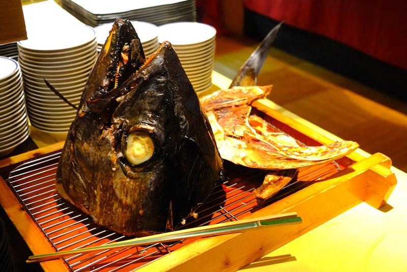 巨大燒烤鮪魚