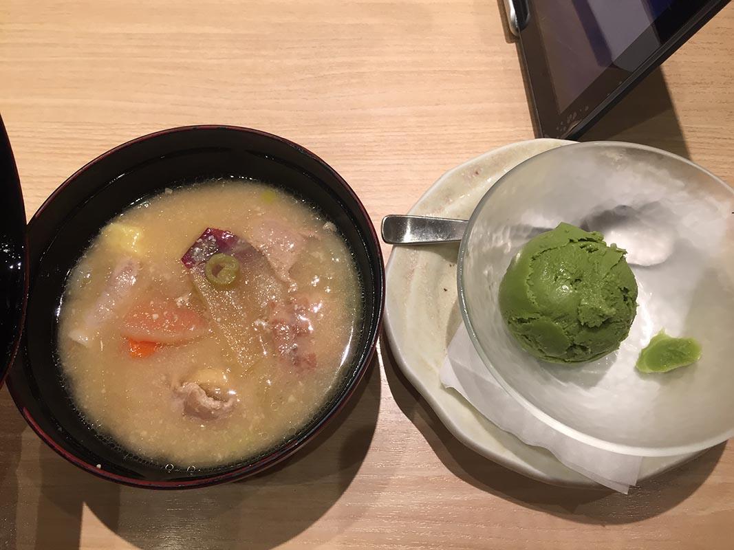日本大戶屋湯品與點心