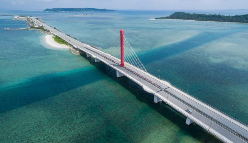 沖繩海中道路