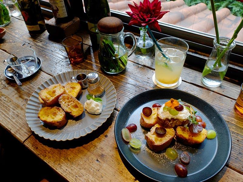 Aoyama Flower Market TEA HOUSE南青山本店的法式吐司和飲品