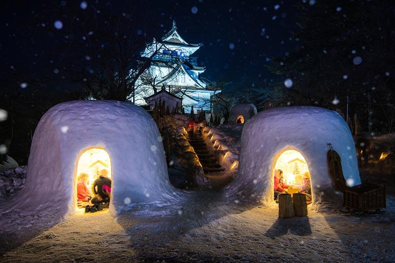 橫手雪屋祭