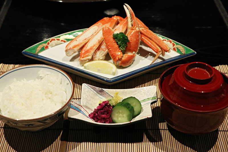 萬翠樓的白飯味噌湯和漬物