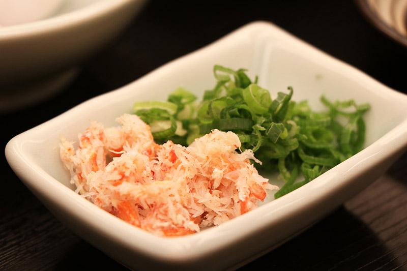 三朝館晚餐的蟹肉佐青蔥