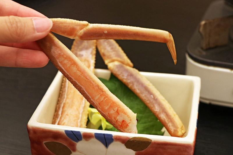三朝館晚餐的生蟹腳