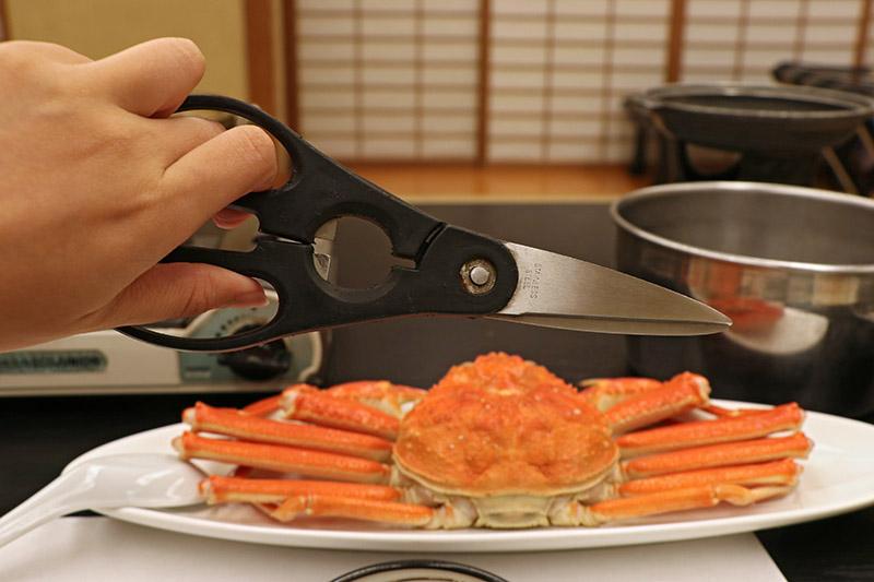 三朝館晚餐的清蒸雪蟹