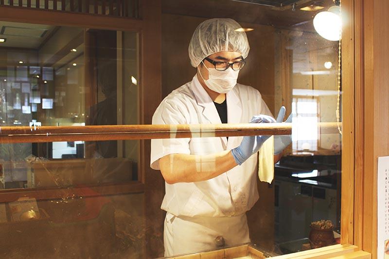 山翠樓的名產豆皮和職人