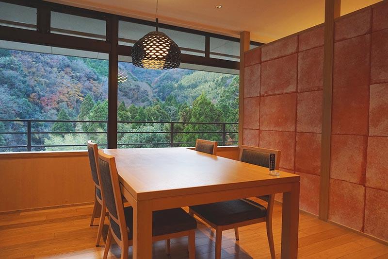 山翠樓的餐廳茶寮望山