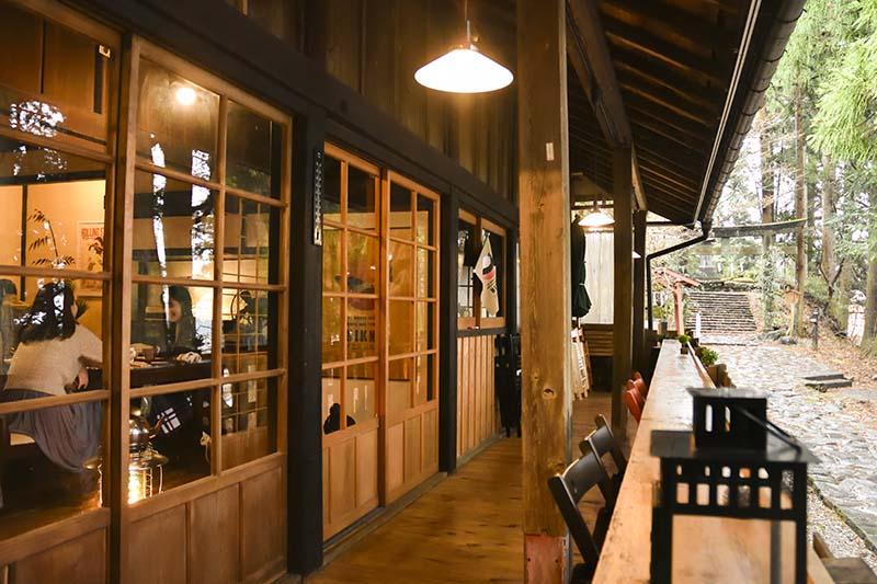 本宮咖啡的門口