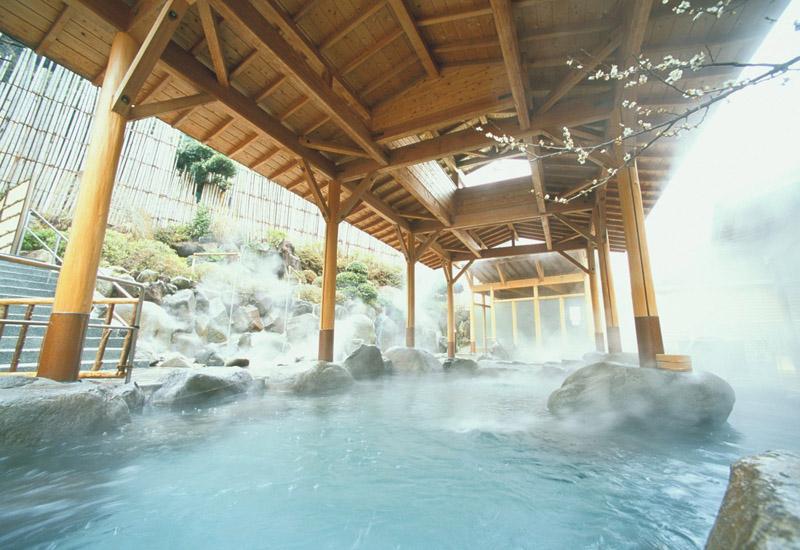 岡田飯店的露天浴池