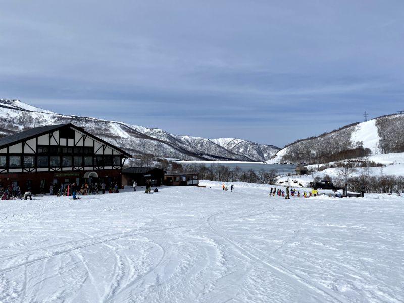 雪場基地風景