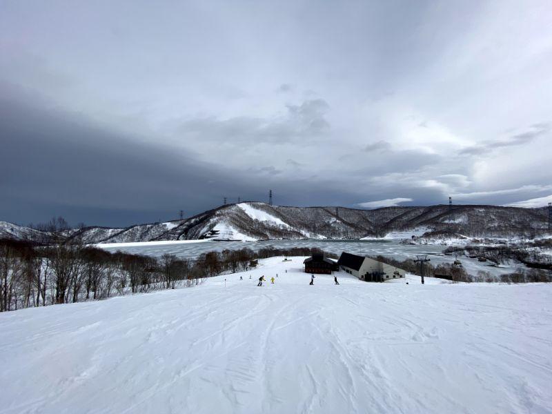 田代湖與滑雪場