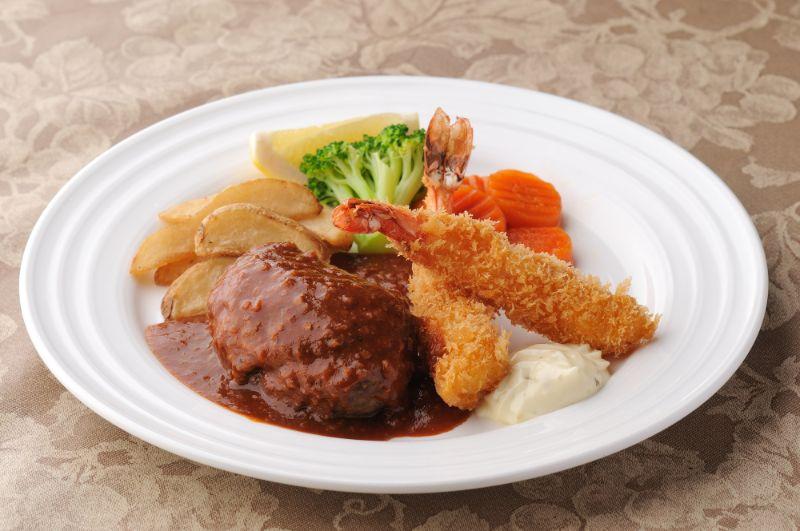 日式漢堡排以及炸蝦