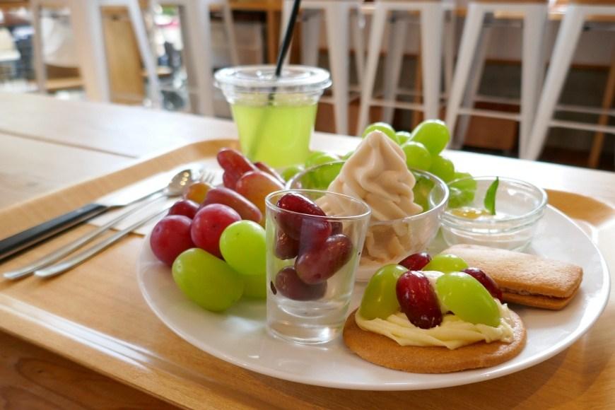 富士山河口湖咖啡廳富士大石花園平台葡萄屋甜點