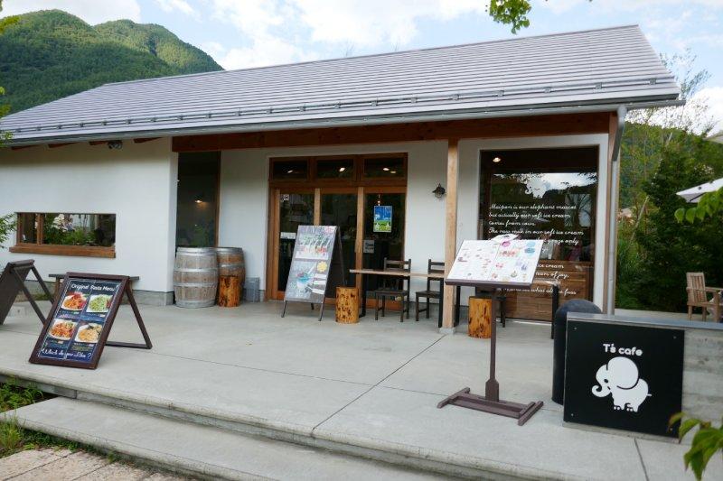 富士山河口湖富士大石花園平台咖啡廳T's cafe外觀