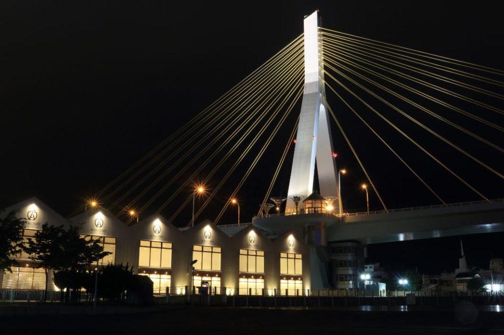 晚上的青森灣大橋