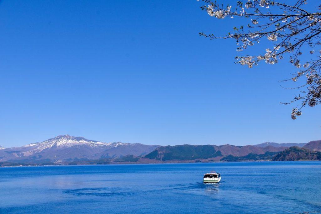 田澤湖遊覽船