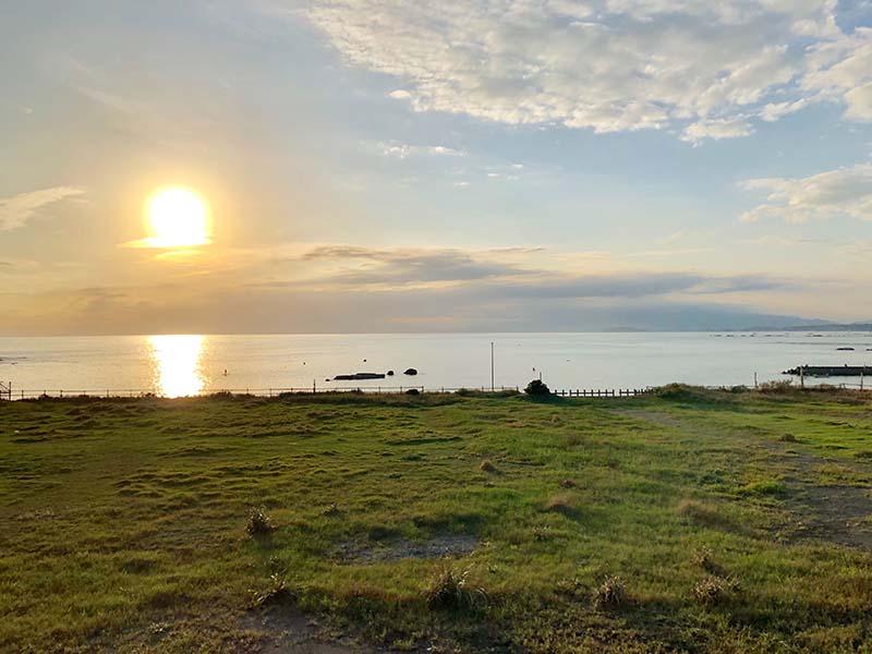 長者之崎海水浴場三浦半島八景之一的夕照