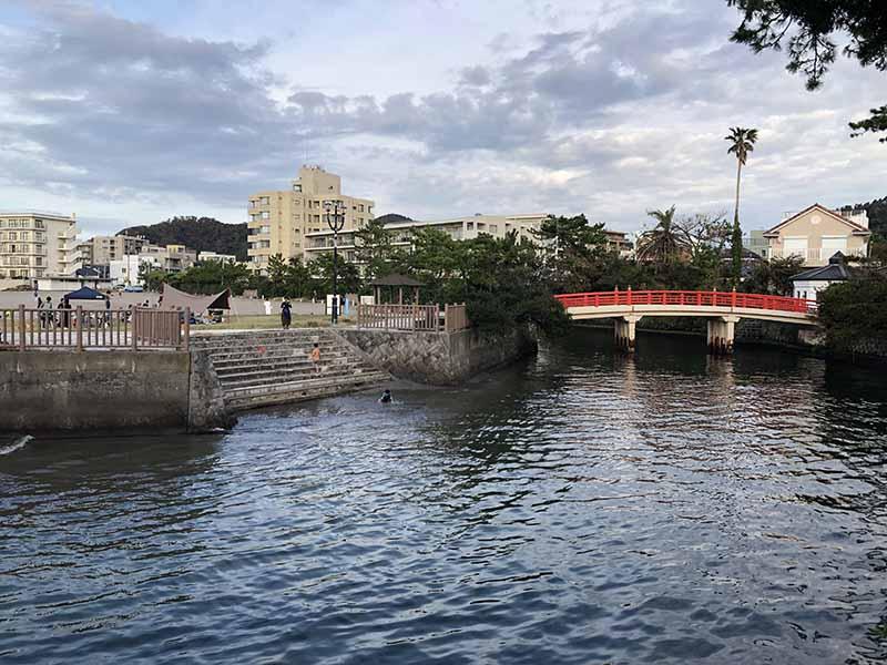 葉山女子旅森戶神社「みそぎ橋」