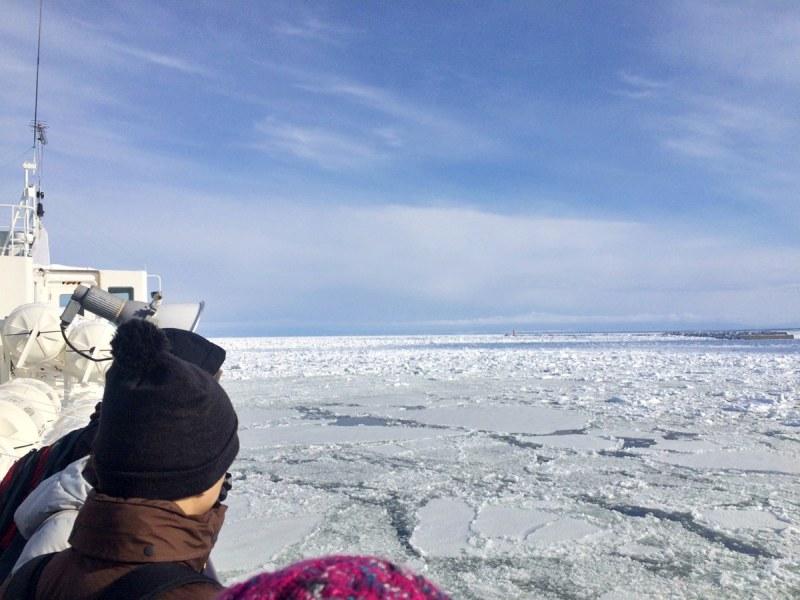 搭乘破冰船出海觀賞流冰