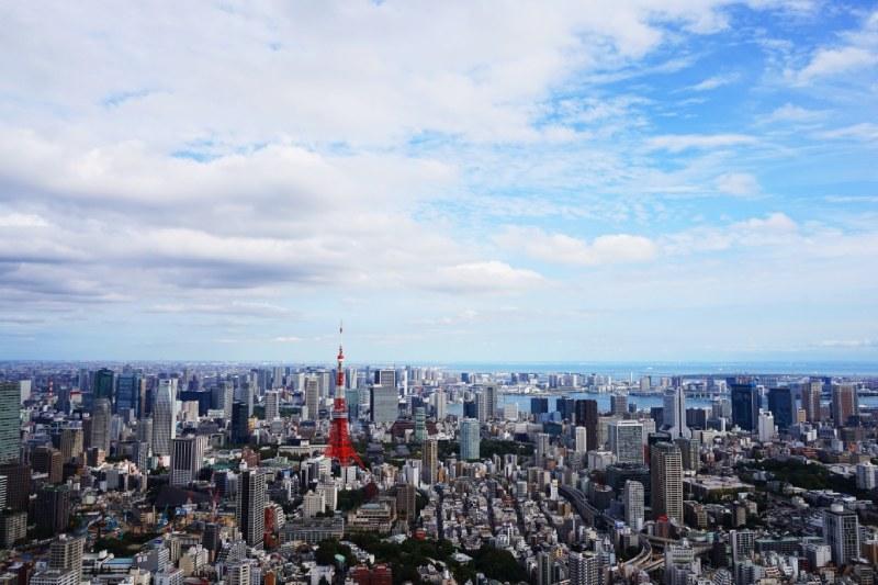 六本木新城森大廈的露天式展望台Sky deck的港區風景
