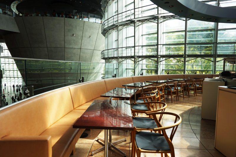 國立新美術館二樓咖啡店Salon de Thé ROND店內