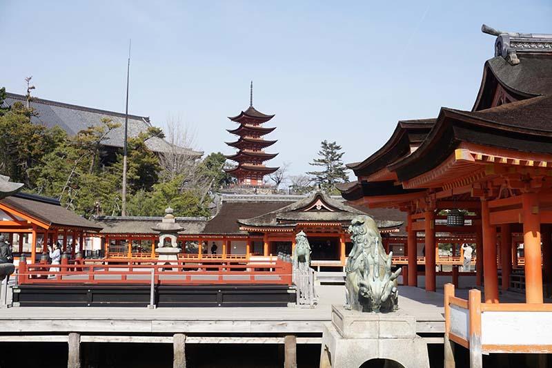 嚴島神社與五重塔