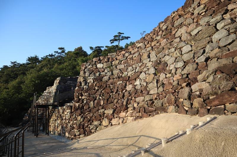 屋嶋城城門遺構城牆
