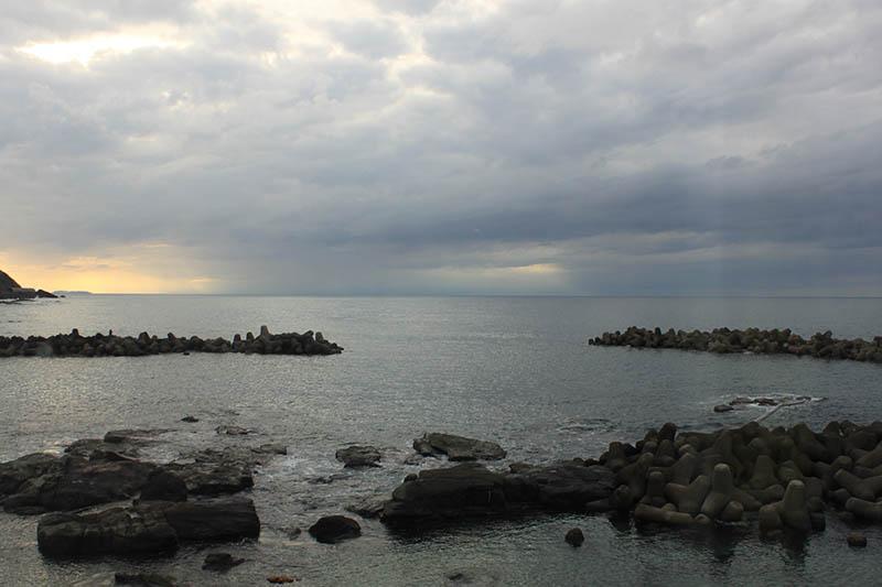 鶴岡市立加茂水族館外的海景
