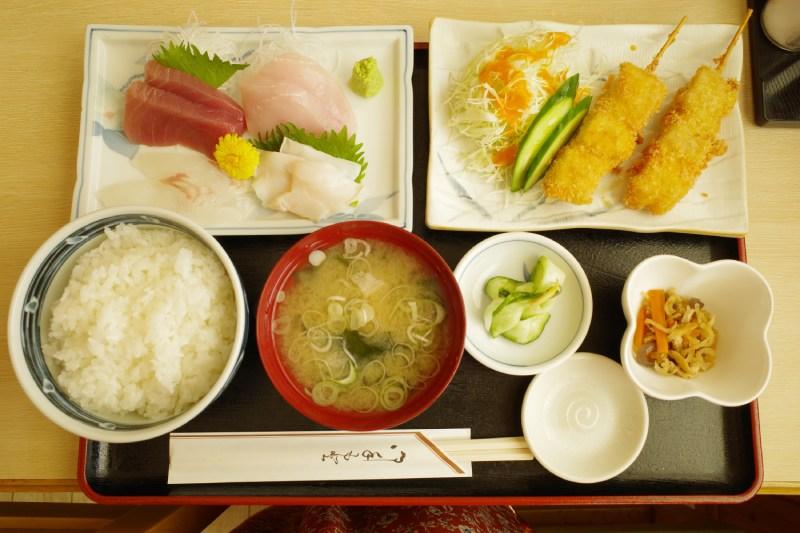 生魚片炸魚定食