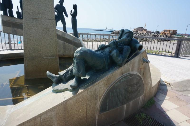 水配神話雕像