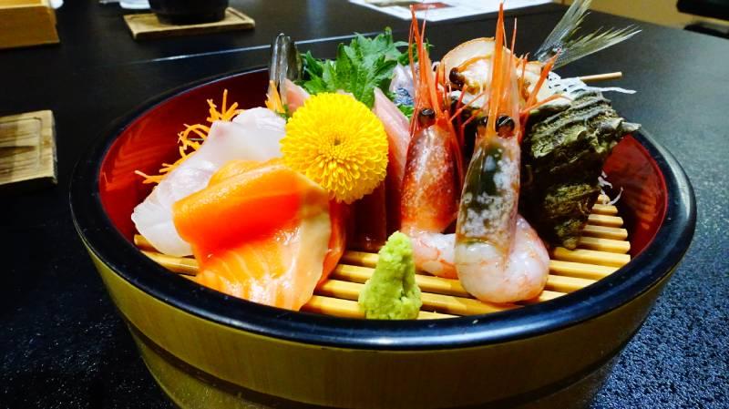海鮮生魚片