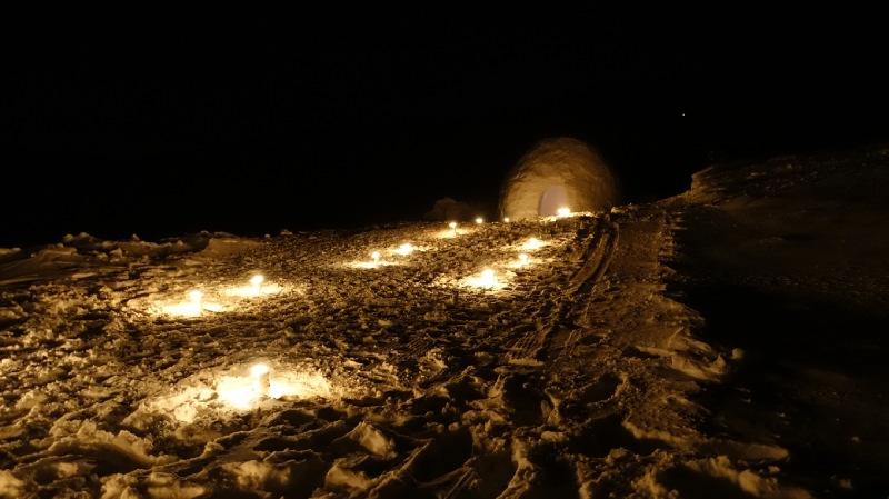 晚上的萬座溫泉滑雪場
