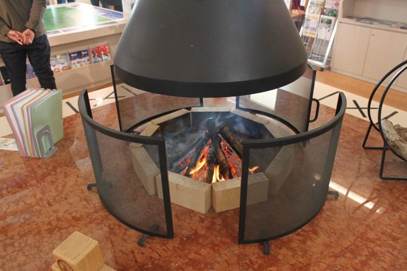 萬座自然情報館的暖爐