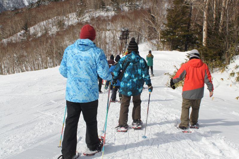 萬座溫泉滑雪場內雪鞋漫步