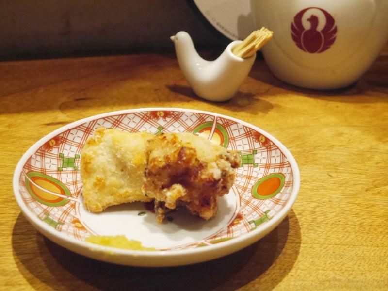 「担々麵 とり田」的炸雞