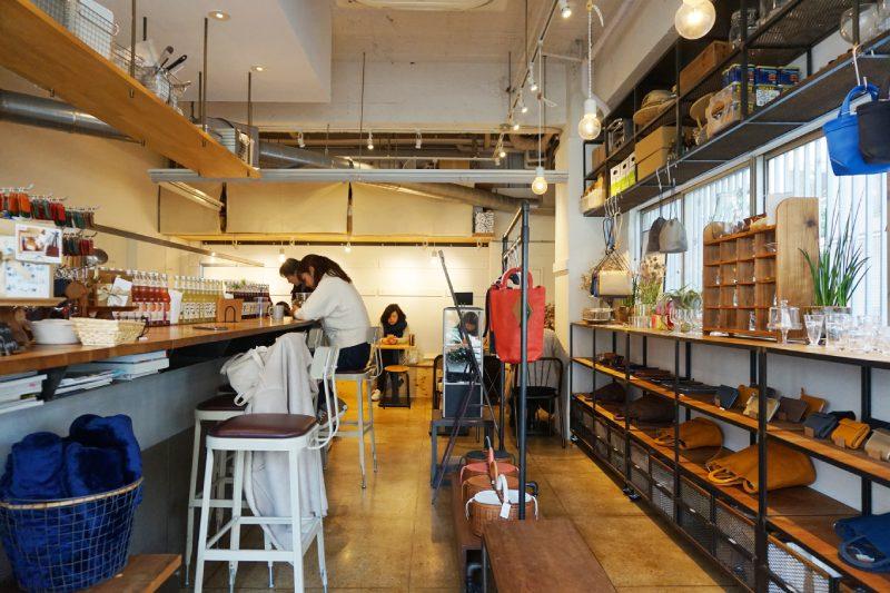 藏前咖啡店CAMERA的店內座位