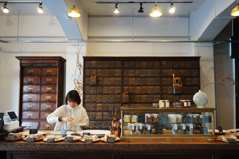 藏前咖啡店喫茶半月1樓甜點店菓子屋SHINONOME