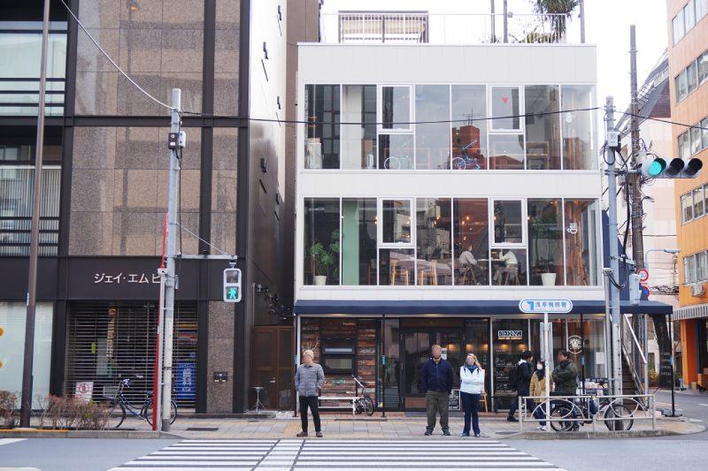 藏前咖啡店鷰 en的店鋪外觀