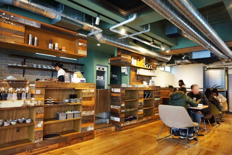 藏前咖啡店鷰 en的2樓咖啡店