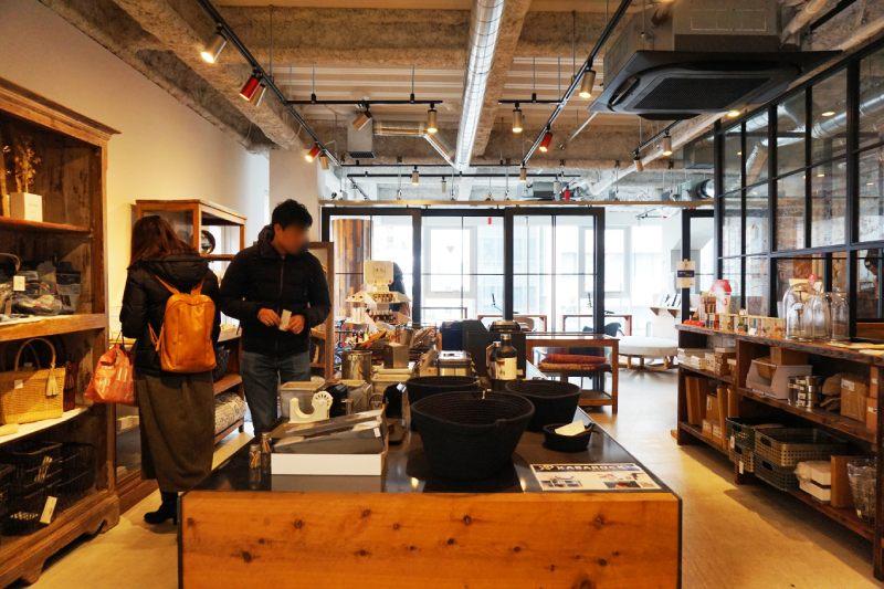 藏前咖啡店鷰 en的3樓選物店