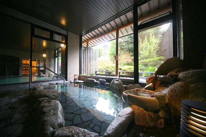 「粟津格蘭飯店別館」浴池