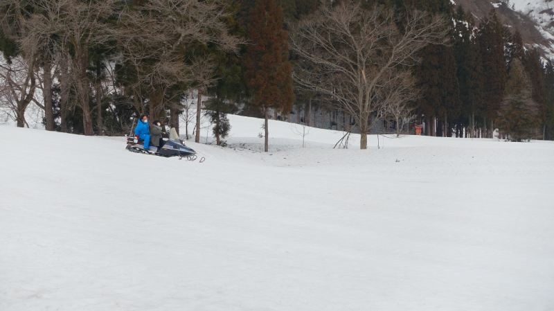 雪上摩托車體驗