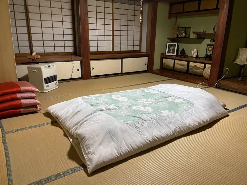 榻榻米床鋪