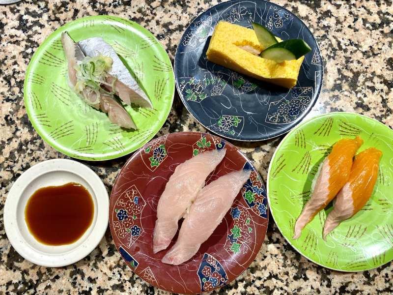 迴轉壽司根室花丸的壽司