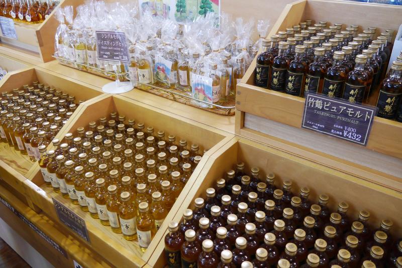 余市蒸餾所的小瓶裝威士忌