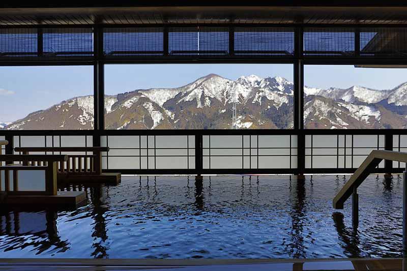 越後湯澤溫泉 湯煙之宿 雪之花 浴池
