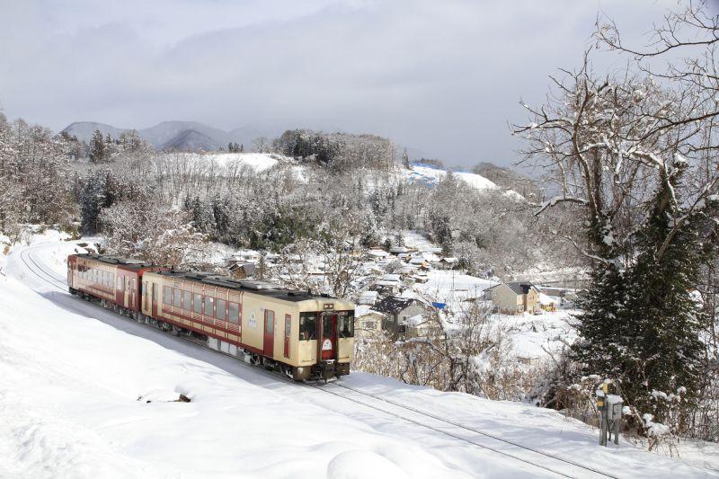 冬季飯山線觀光列車「OYKOT」